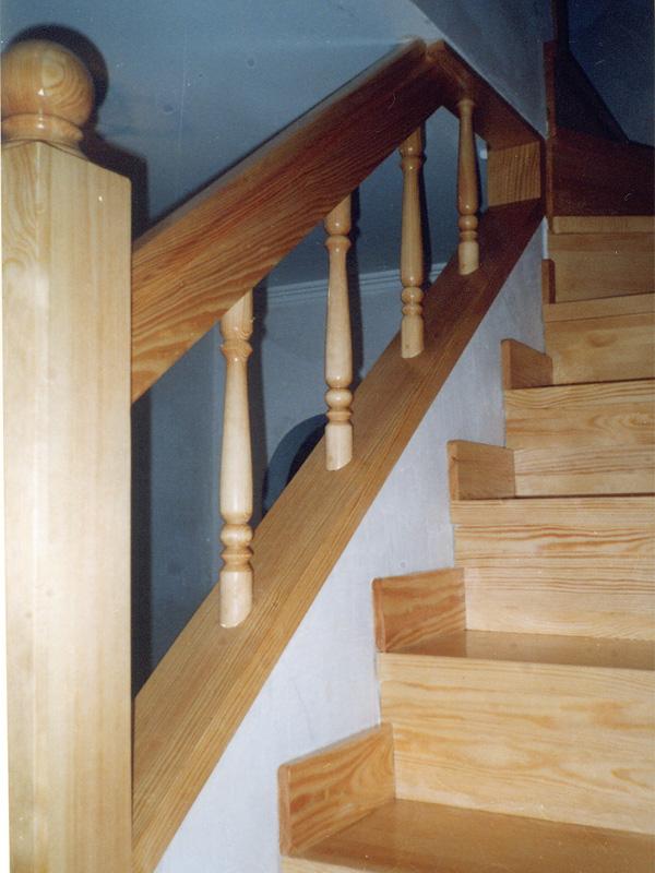 Лестницы из дерева цена