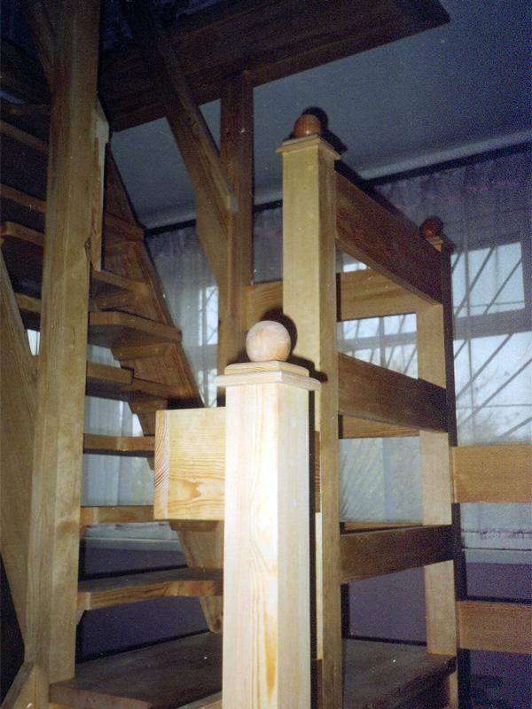 Лестницы из дерева в Киеве