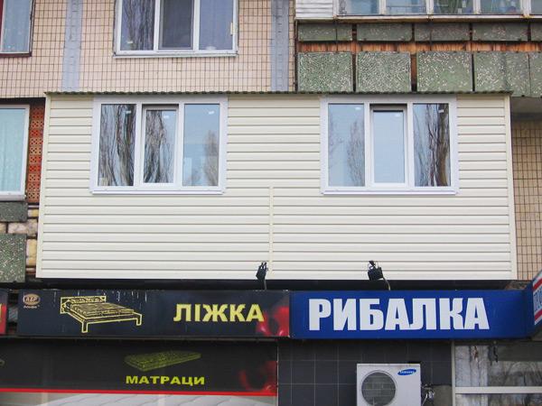 Обшивка балкона из вне Киев